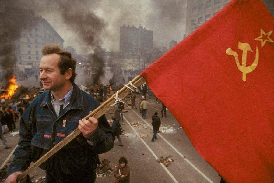 Москва. Октябрь 1993 года. Сторонники Верховного совета.