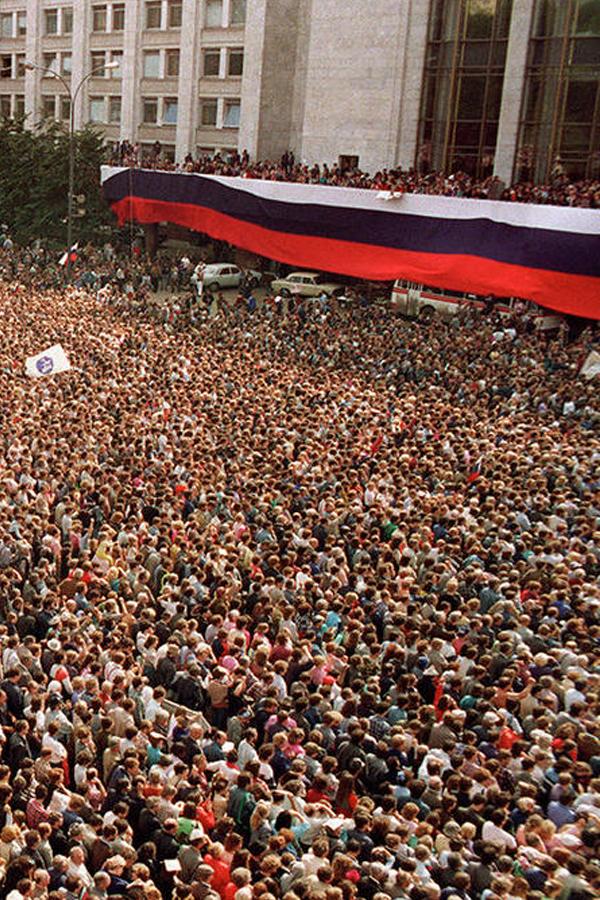 zhuravlev-strike-or-elections-600x900